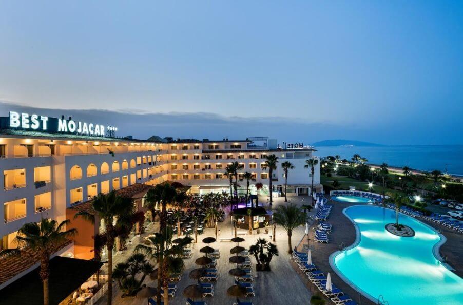 MOJÁCAR: HOTEL SPA 4* FRENTE AL MAR POR 21 EUROS