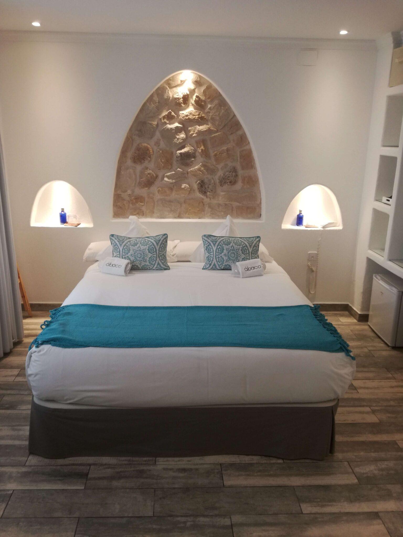HOTEL ÁBACO EN ALTEA: UNA JOYA EN EL MEDITERRÁNEO
