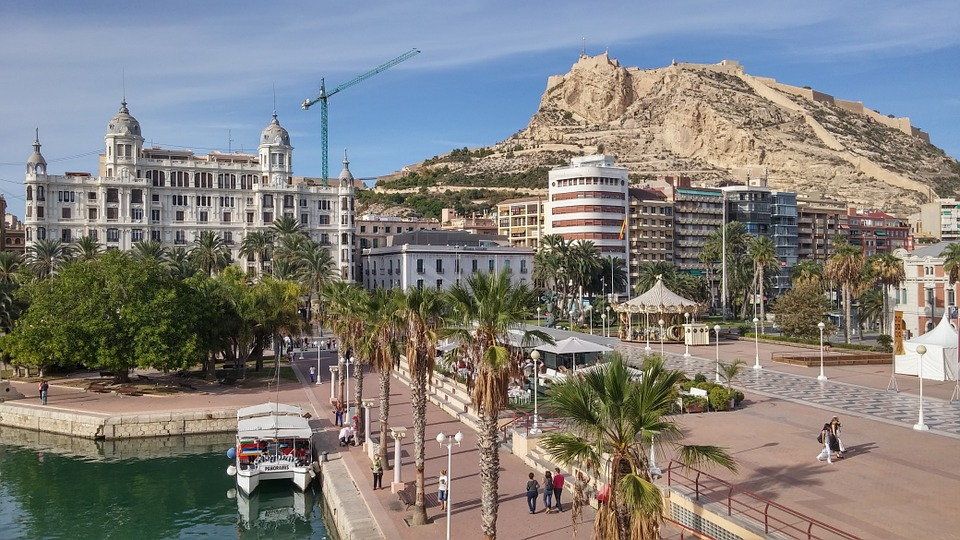 Si eres seguidor de la UD Logroñes y viajas a Alicante este fin de semana, te proponemos un gran plan!