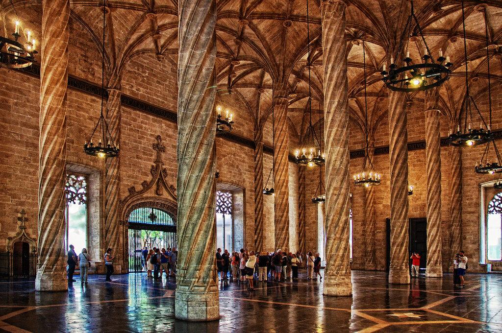 salón columnario Valencia
